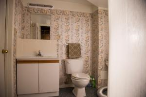 IWMH1006 - Bathroom Before - 1